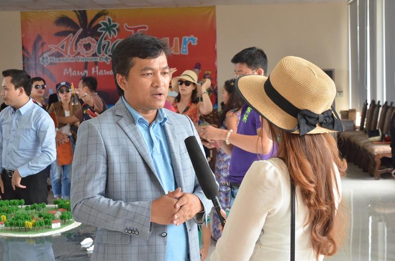 Đoàn ghé thăm dự án BĐS biển Aloha và phỏng vấn TGĐ dự án.