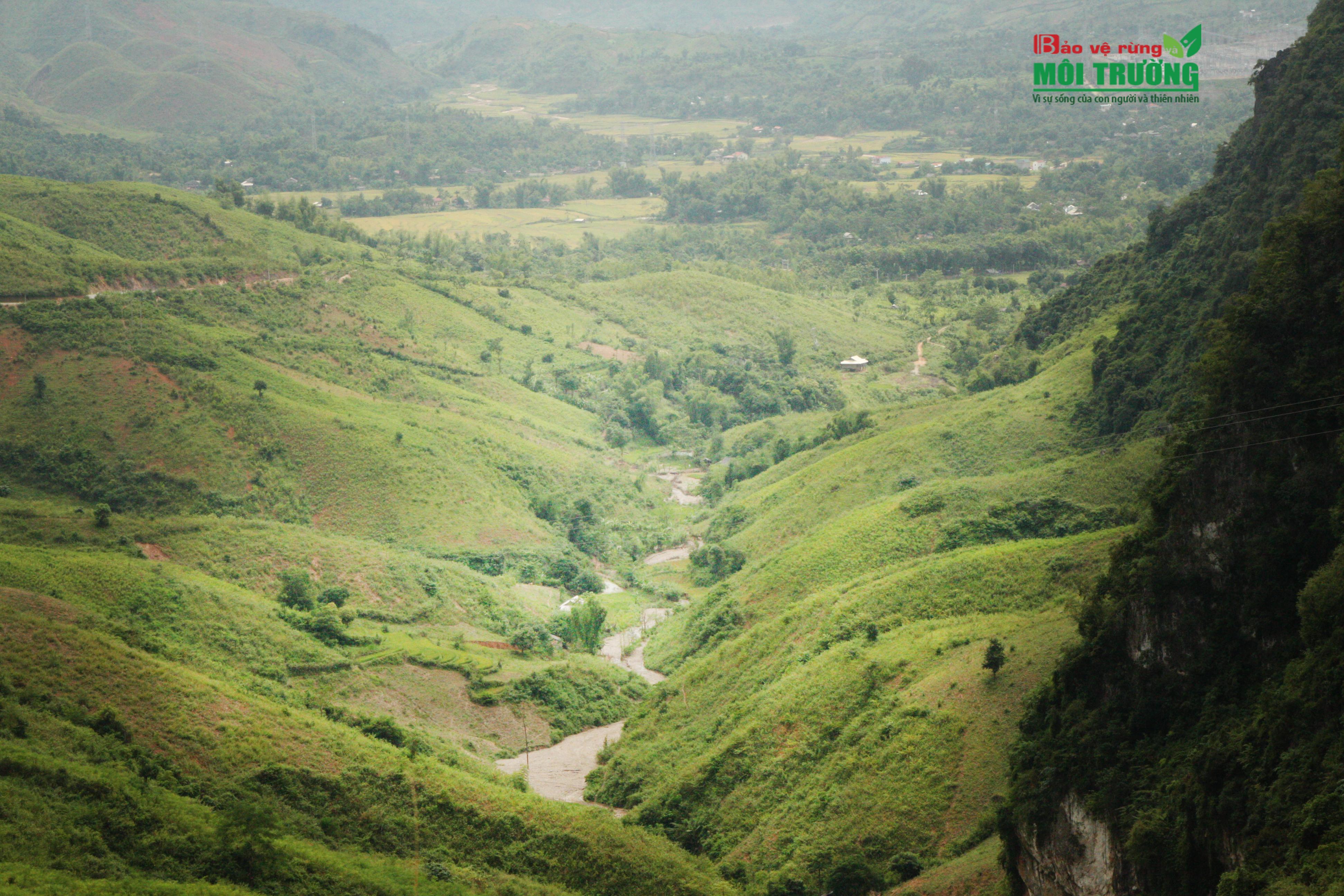 Ở đó có sự bình dị diệu kỳ của thiên nhiên, lại không mất đi vẻ mê hồn vốn có của núi rừng Tây Bắc.
